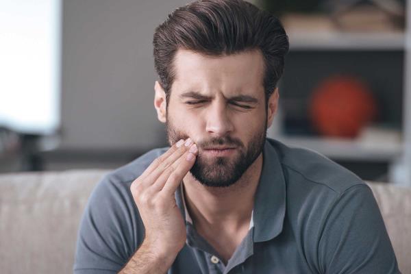 maksilarni sinus i zubi