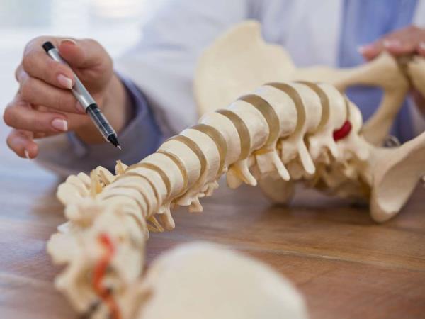 okostavanje kicme operacija