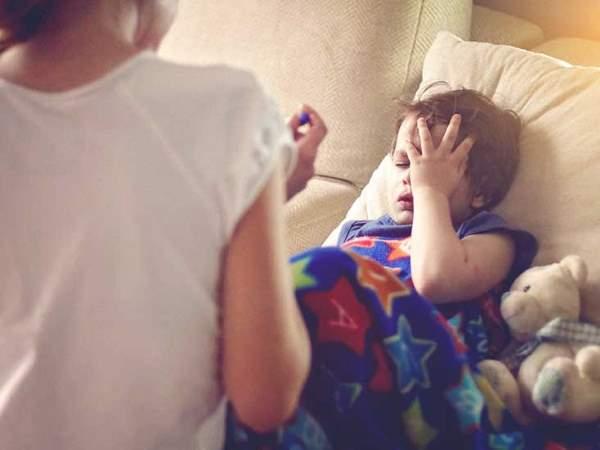 rotavirus kod dece simptomi