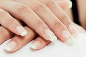 lomljenje noktiju